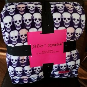 Betsey Johnson skull plush blanket
